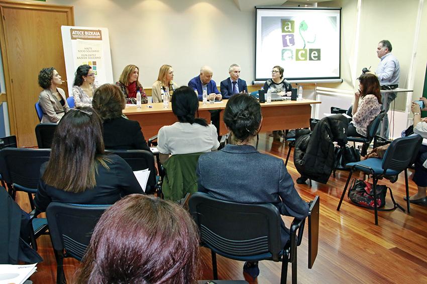 Socios Solidarios de ATECE Bizkaia ante los medios